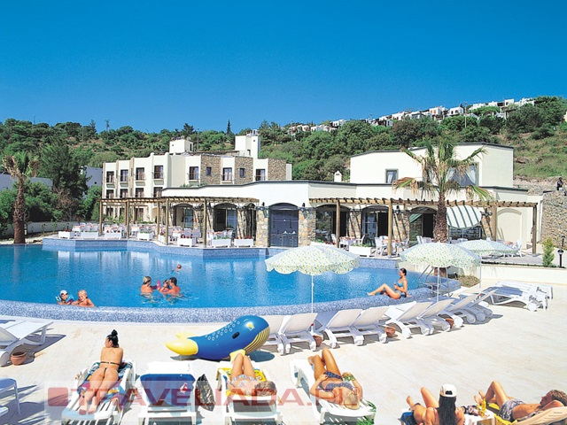 COSTA 3 S BEACH HOTEL