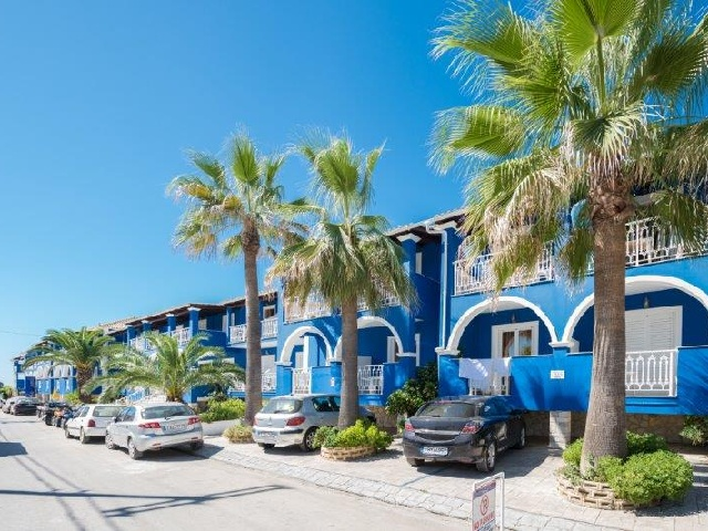 Blue Waves Hotel