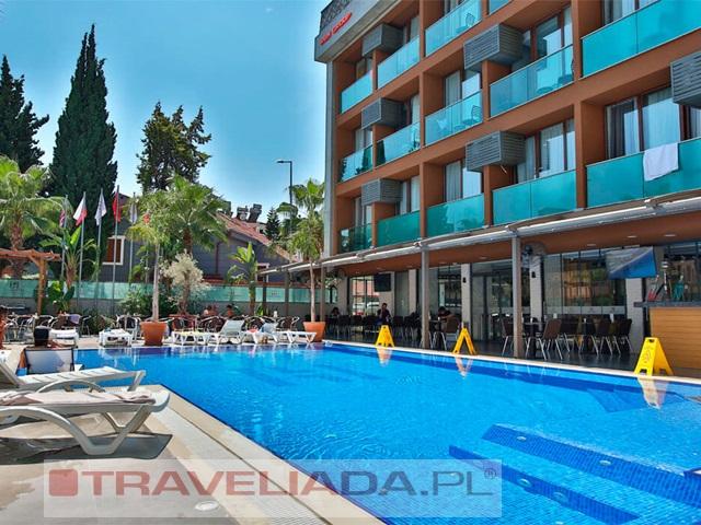 LAREN FAMILY HOTEL & SPA